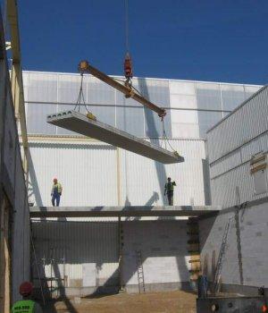Rozbudowa fabryki Faurecja